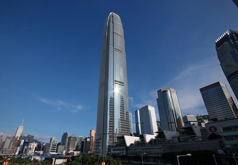 Pára-raios DAT CONTROLER® PLUS no International Commerce Centre de Hong Kong