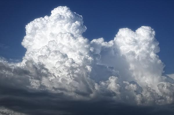 ¿Pueden producirse rayos aunque no llueva?