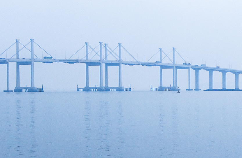 Aplicaciones Tecnológicas protects with 19 DAT Controler® Plus Air Terminals the world's longest bridge over water