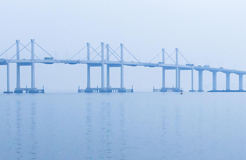 Aplicaciones Tecnológicas protege com 19 para-raios DAT Controler Plus a ponte mais longa do mundo sobre a água